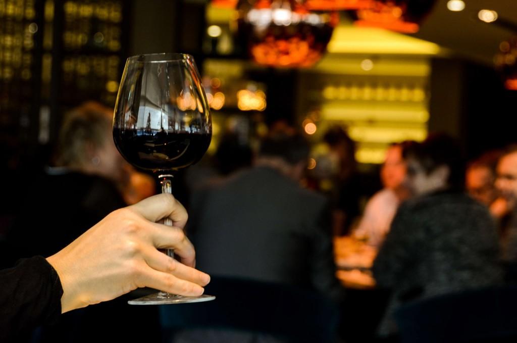 articoli_restaurant-person-people-hand_ridotta